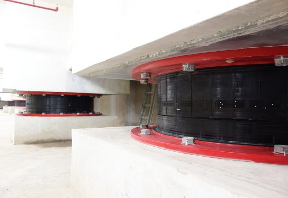 Base Isolator used in Gudang Garam Tower
