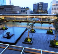 Plaza Indonesia Extention Pool Area